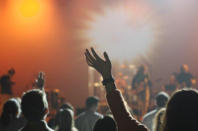 Cómo organizar el evento audiovisual perfecto
